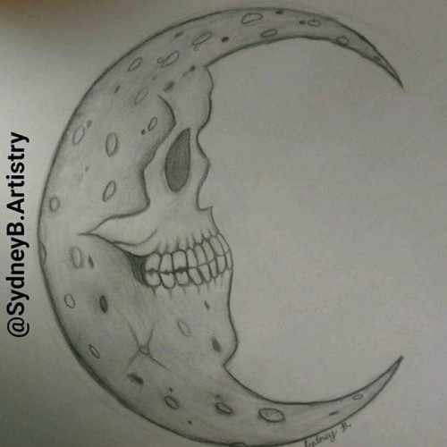 A Skull Morphing into the Moon